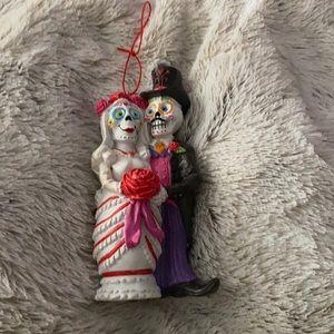 Bride & groom skeleton Xmas ornament